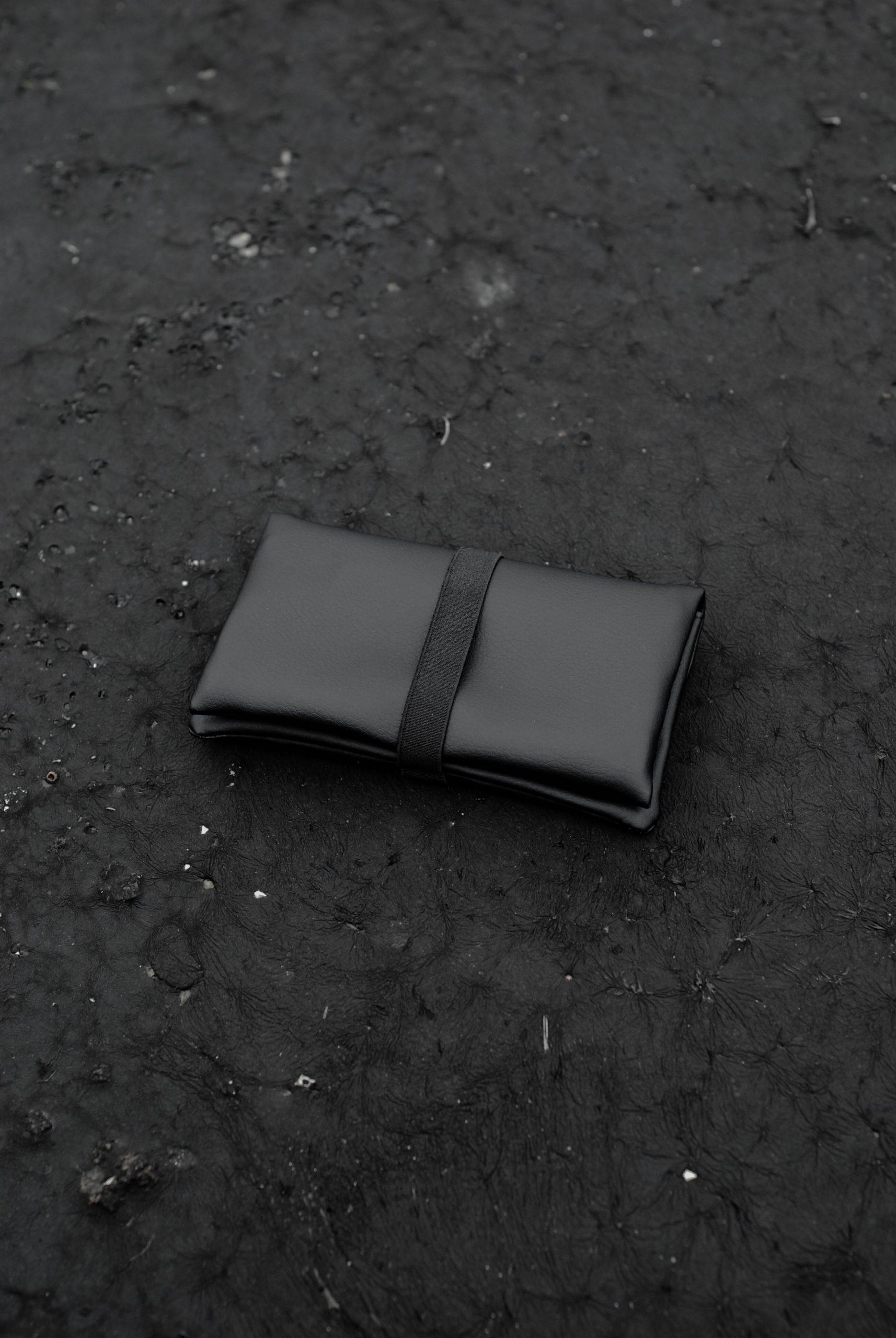 GREI tobacco pouch black