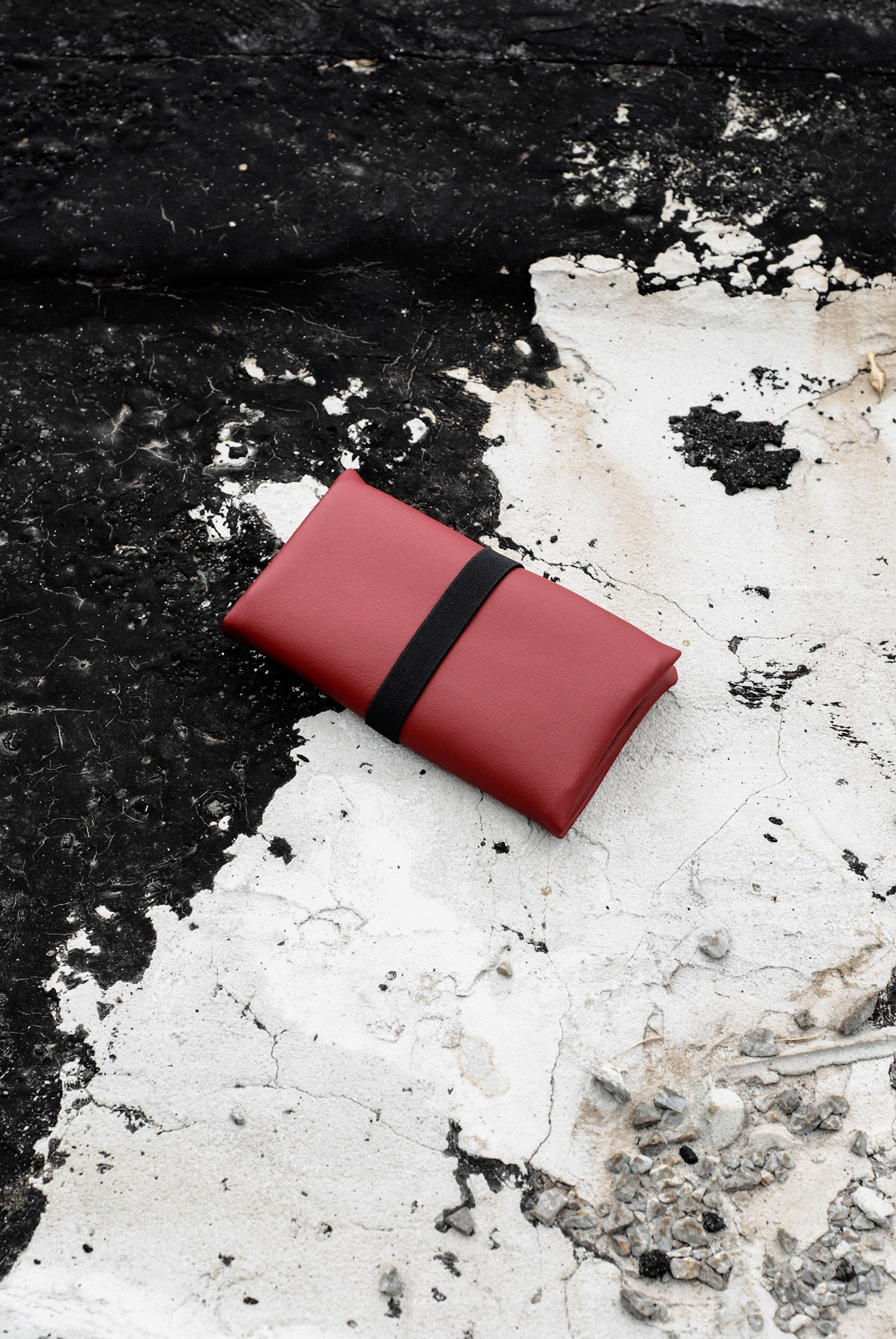 GREI tobacco pouch red