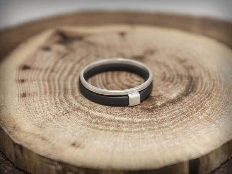 Geometric ring HALONA